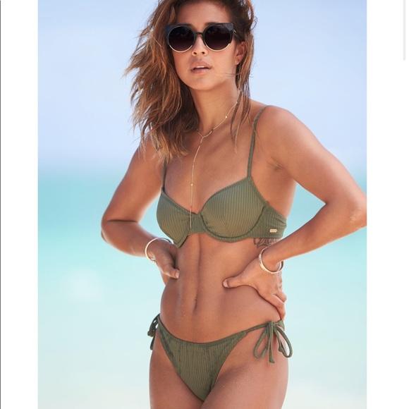 4bcf3a423e35 Roxy Swim   Nwt Ribbed Underwire Bikini Set   Poshmark